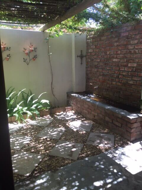 Beaufort West Self Catering Courtyard Room